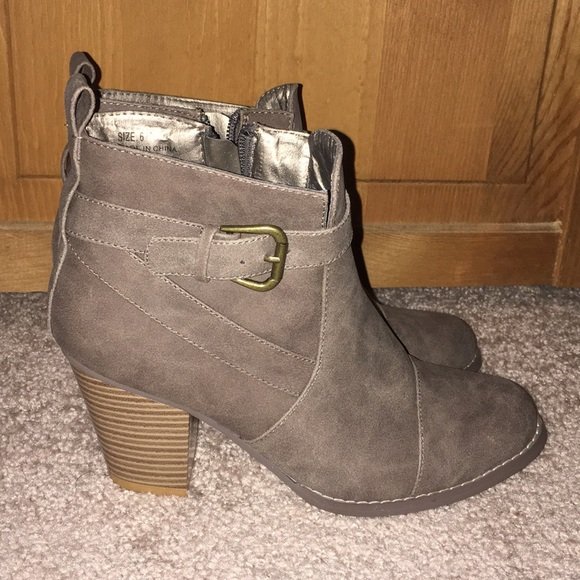 f26474fdb9 Wet Seal Shoes - Wet Seal Buckled Booties - Grey Size 6